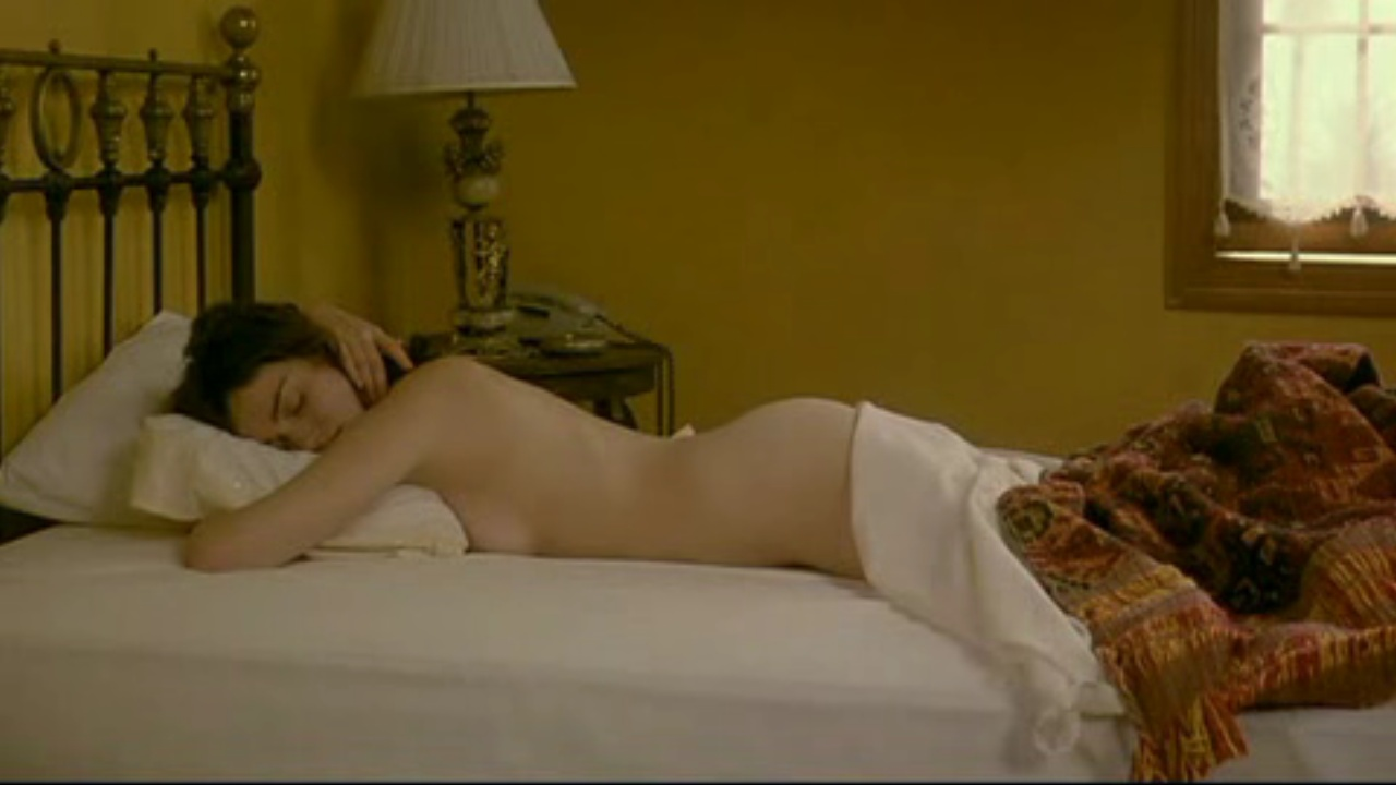 Penelope cruz nude scene from 039elegy039 on scandalplanetcom - 4 9